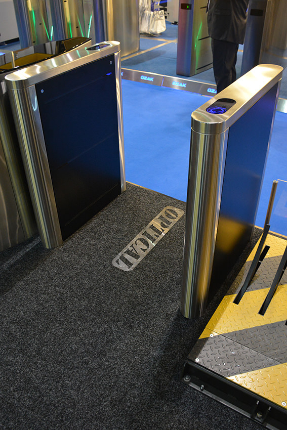 Optical turnstile